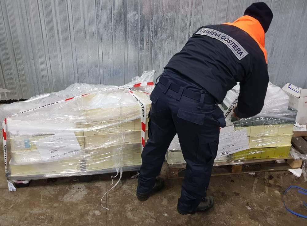 Operazione di controllo sulla filiera della pesca svolta dalla Capitaneria di Porto