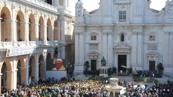 """Papa Francesco a Loreto, """"laCasa dei Giovani"""""""