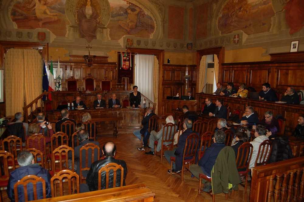 Il Patto per lo sviluppo e la ricostruzione presentato, ad Ascoli Piceno, dal presidente e dalla vicepresidente della Regione