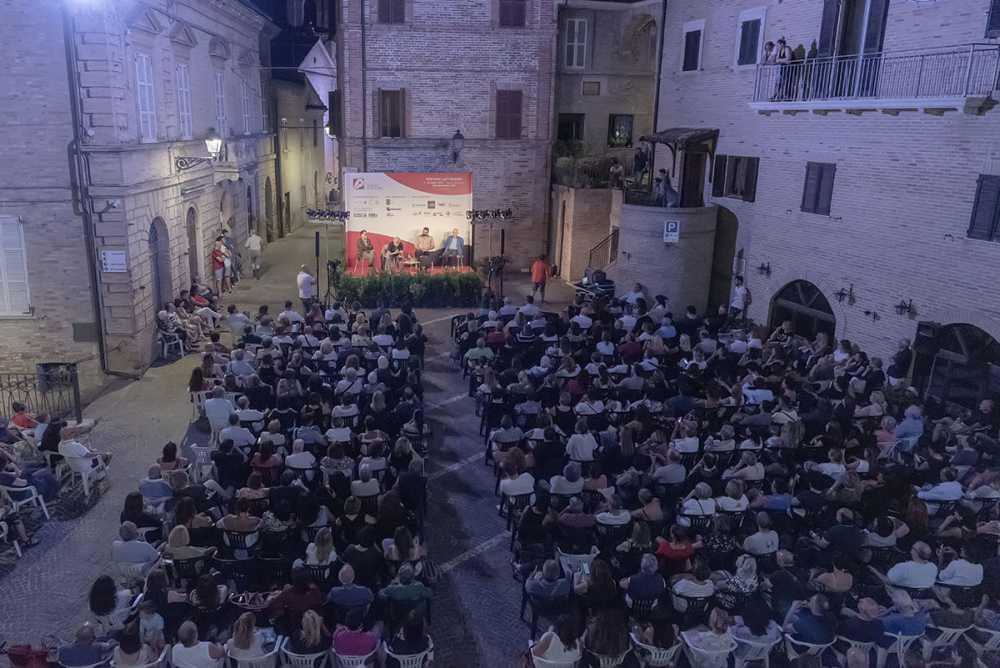 Piceno d'Autore, Paolo Crepet appassiona il pubblico di Monteprandone