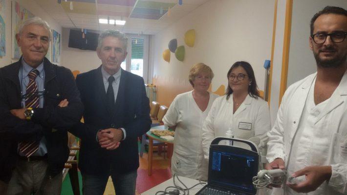 """Donati dall'associazione """"Nessun Dorma"""" un Ecografo portatile e uno Spirometro alla Uoc Pediatria"""