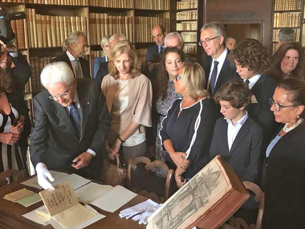 L'omaggio del presidente Mattarella a Leopardi al Colle dell'Infinito