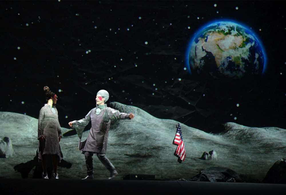 CircOpera Lunare per scoprire il lato nascosto della luna e il lato oscuro dell'umanità
