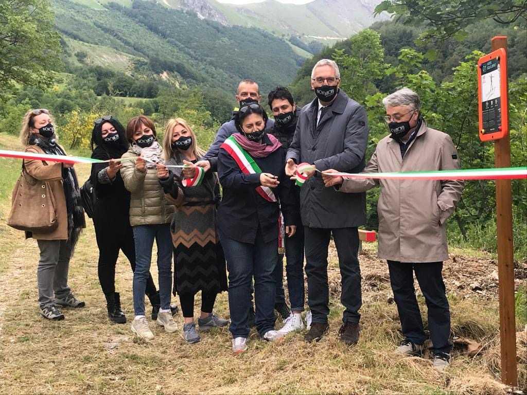 Ceriscioli all'inaugurazione del nuovo percorso fitness 1070 attrezzato a Bolognola