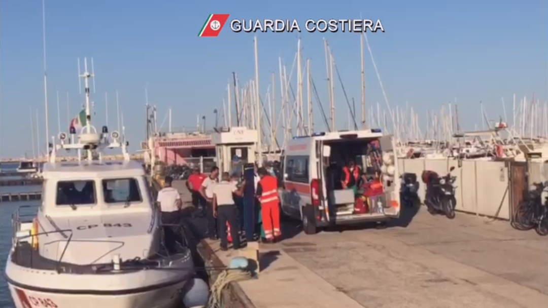 Diportista colto da malore, interviene la Guardia Costiera (Video del soccorso)