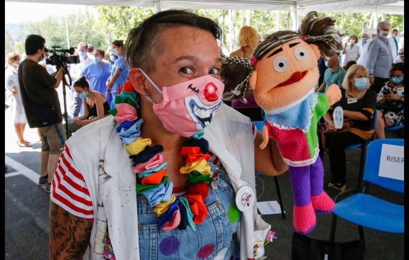 Si è riacceso il naso rosso nella Città del Sorriso e parte il Progetto Scuole online del Clown&Clown Festival