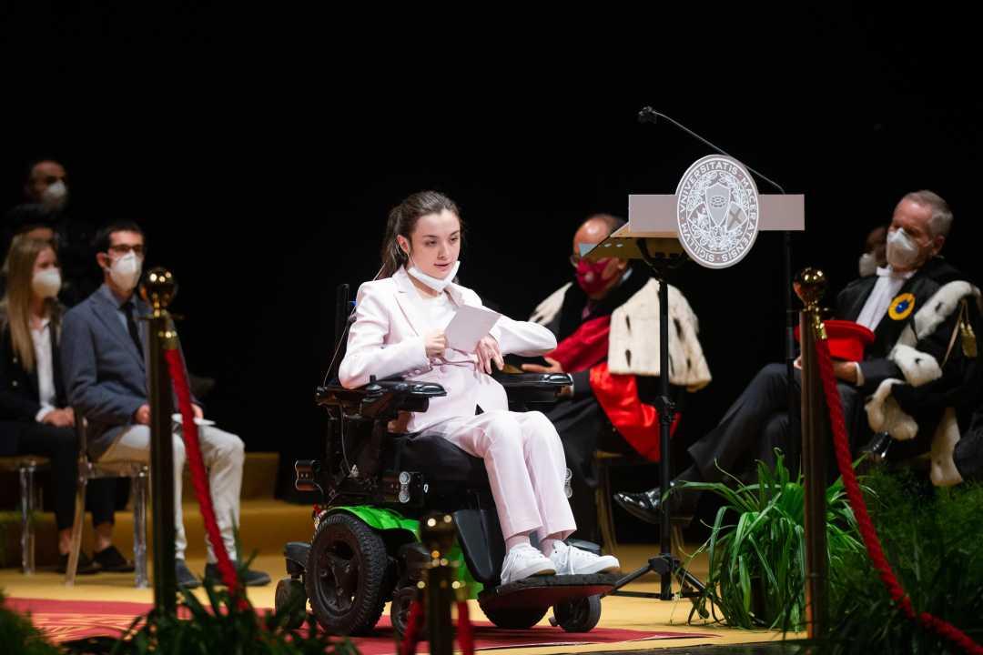 Arianna Giulianelli, più forte di ogni ostacolo,si laurea in Giurisprudenza