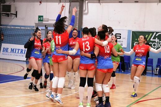 B2 di pallavolo femminile, alla Volley Angels basterà vincere due set per passare il turno playoff
