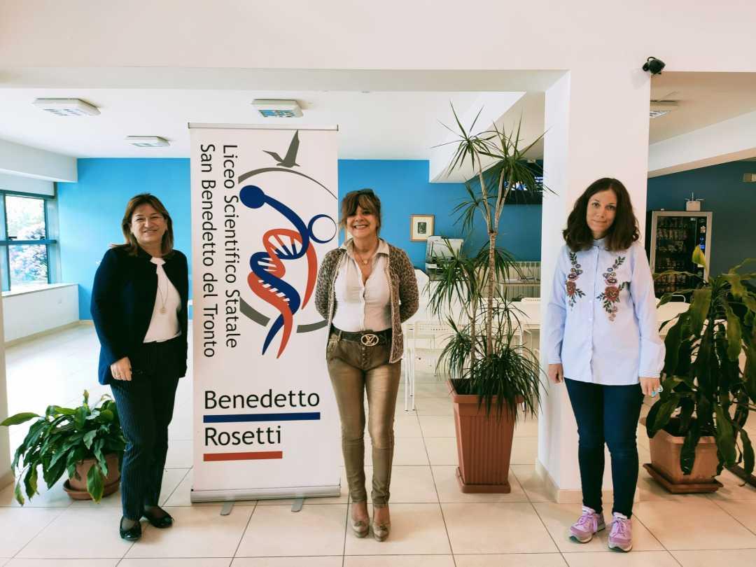 """L'Assessore Antonella Baiocchi spiega le """"Pari Opportunità"""" agli studenti del Liceo Rosetti"""