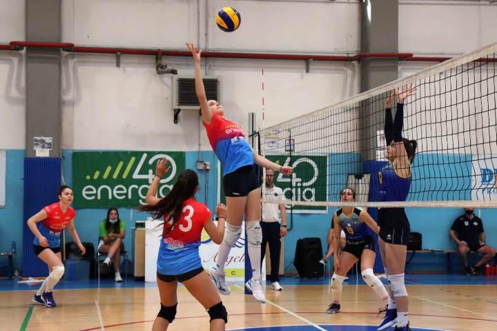 Prima vittoria stagionale per la Volley Angels femminile di C
