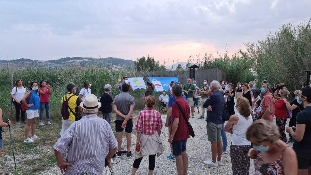 """Tanti turisti alla 2a """"Camminata al tramonto lungo i sentieri della Sentina, con visita alla Torre sul Porto"""""""