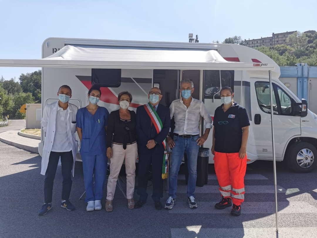 Il Camper vaccinale dell'Av 5 a Carassai, Colli e Cossignano