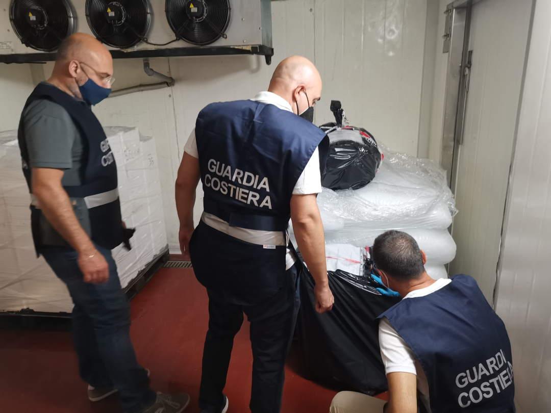Violano le leggi che tutelano i giovani pesci, sanzionati pescherecci di San Benedetto