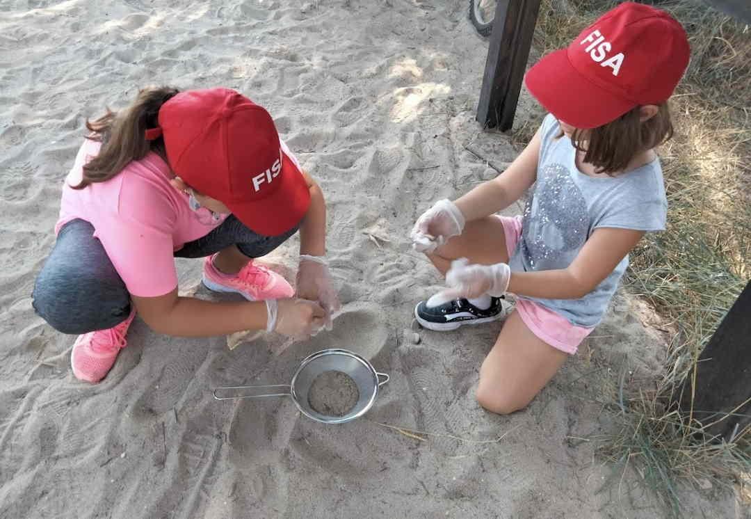 I bambini protagonisti con la campagna Clean BeachUp della Fisa